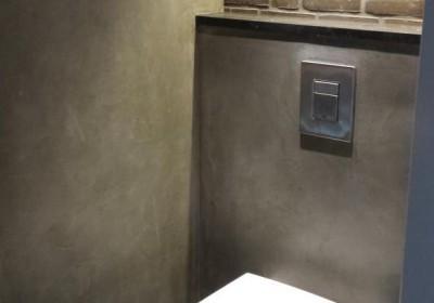 http://www.stukadoorsbedrijfvdwindt.nl/wordpress/wp-content/uploads/2014/10/stukadoorsbedrijfvdwindt-toilet-beton-cire-pro-4-400x280.jpeg